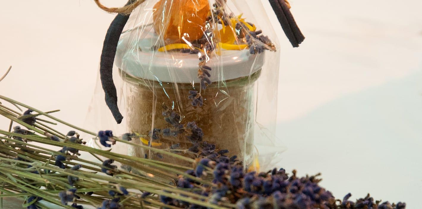 Lavendelkuchen im Glas