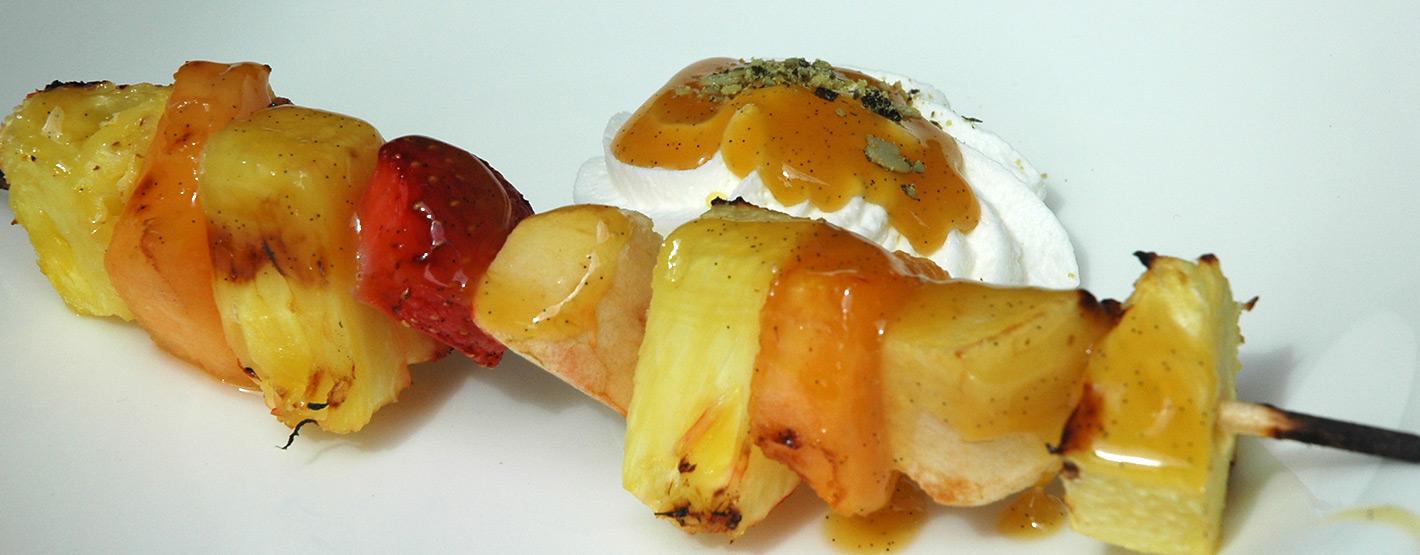 Früchtespießchen mit Pflaumenwein